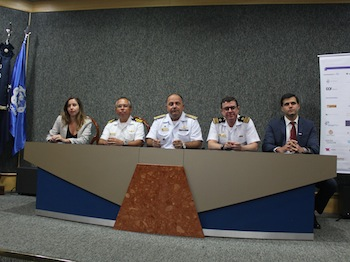 From the left: Juliana Pizzolato Furtado Senna, CF Nogueira, Vice-Admiral Lima Filho, CC Péricles and Lucas Leite Marques.